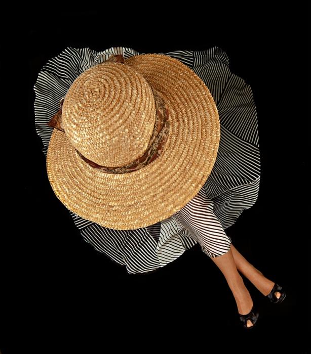 donna con cappello - Foto - Fototue.it