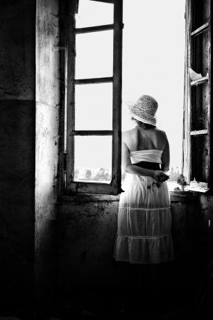 La ragazza alla finestra foto for Ragazza alla finestra quadro